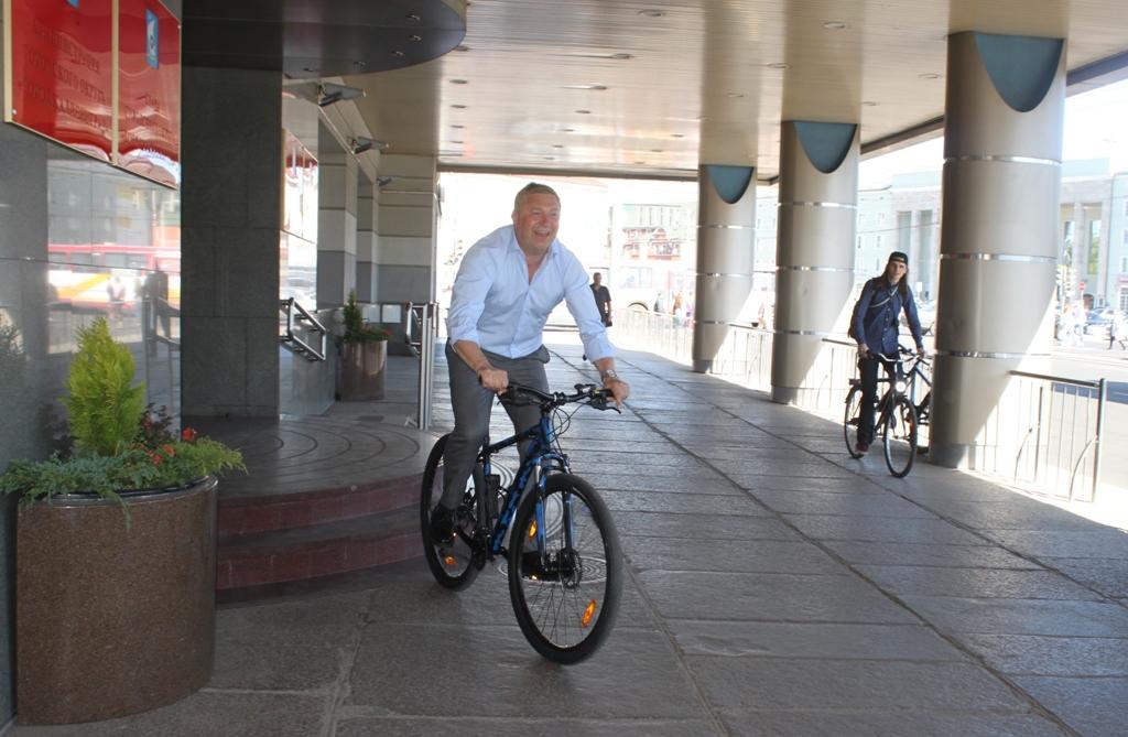 Ярошук на велосипеде
