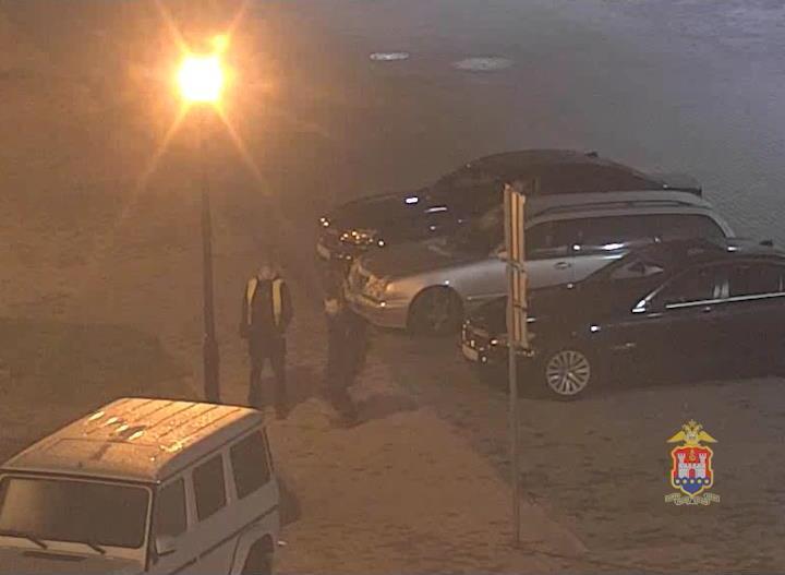 ВКуликово пьяные посетители повредили машины владельца казино