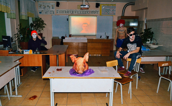 Директора калининградского лицея уволят после шутки школьников оЧечне сосвиной головой