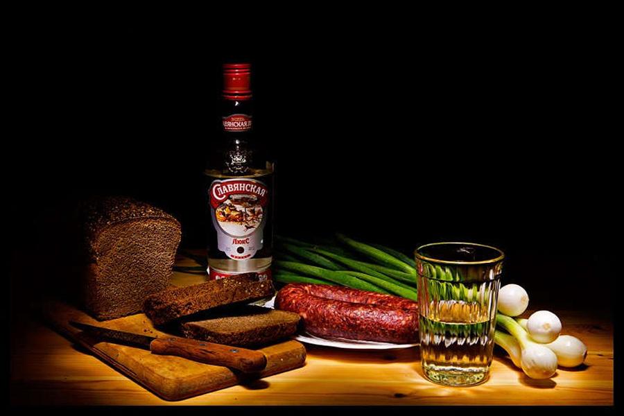Cách uống vodka đúng điệu kiểu Nga