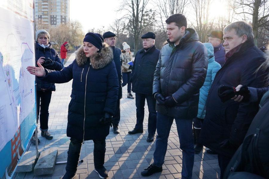 Алиханов и Силанов у Летнего озера